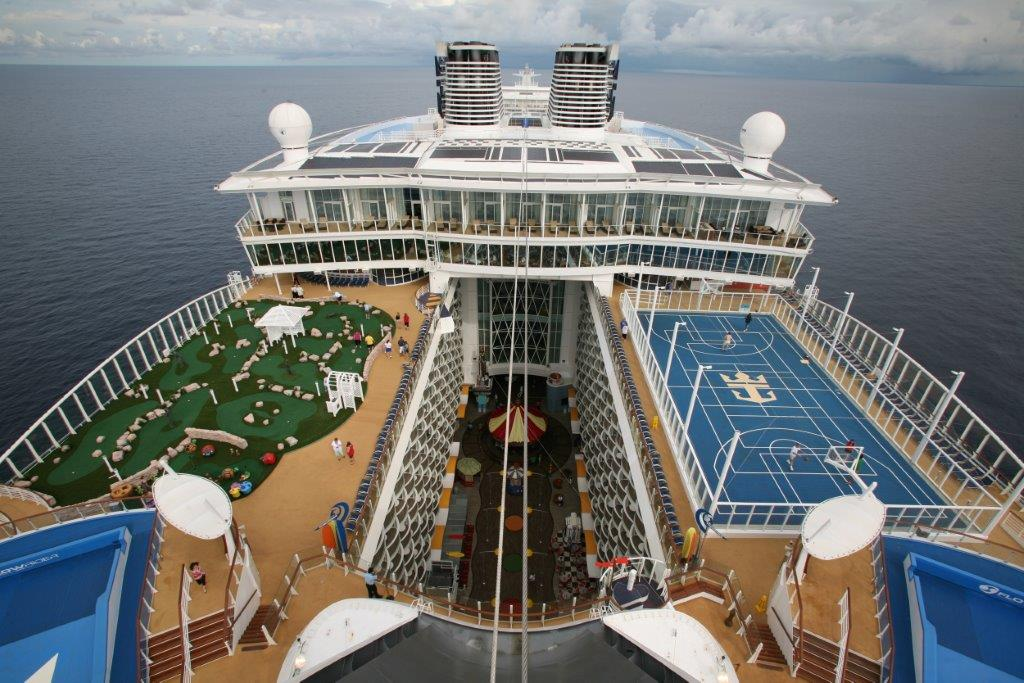 building the largest cruise ship scandinature films - Biggest House In The World 2014